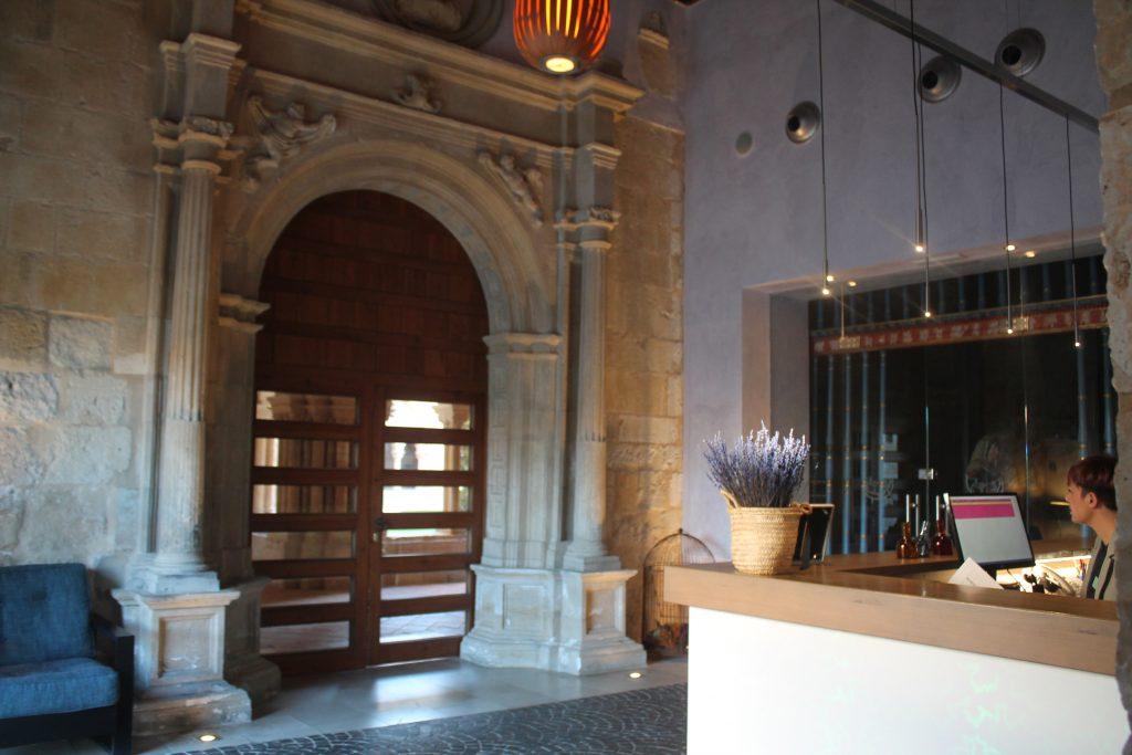 lobby del Hotel Castilla Termal Monasterio Valbuena