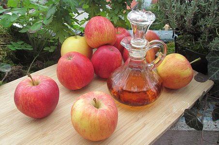 Frente a las comilonas navideñas, el vinagre de manzana