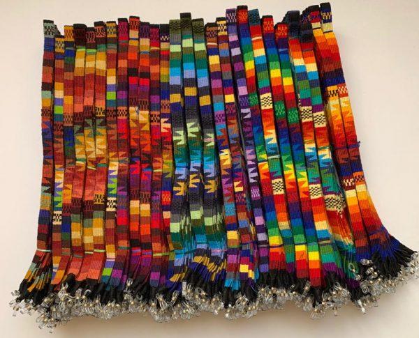 Cuelga gafas étnicas hechas en Guatemala